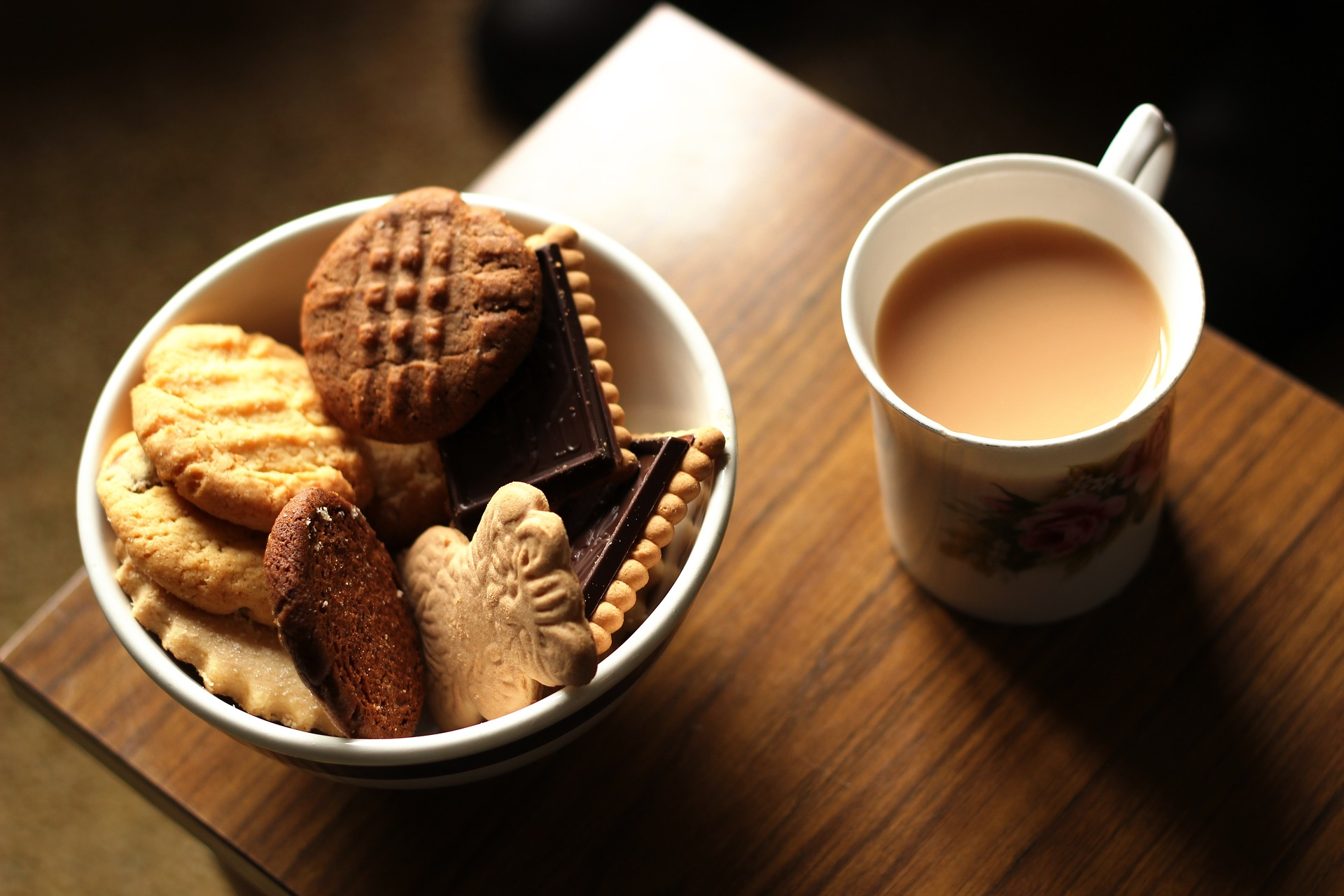 Pack an essentials box, with a kettle for hot drinks and biscuits for an energy boost.