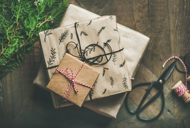 brown paper packages tied up with string are more environmentally friendly