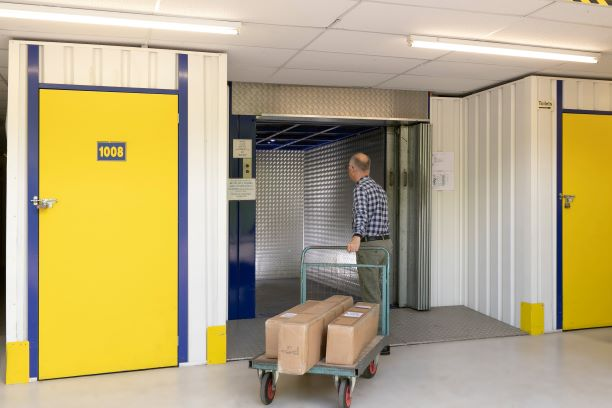 Storing good in self storage