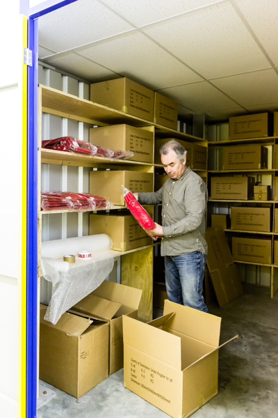 showing a unit being used for online retail stock